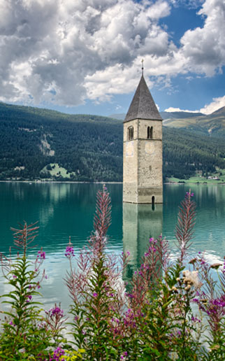 10 Drowned churches around the world