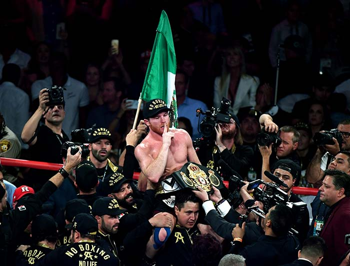 Alvarez Defeats Golovkin For Middleweight Championship